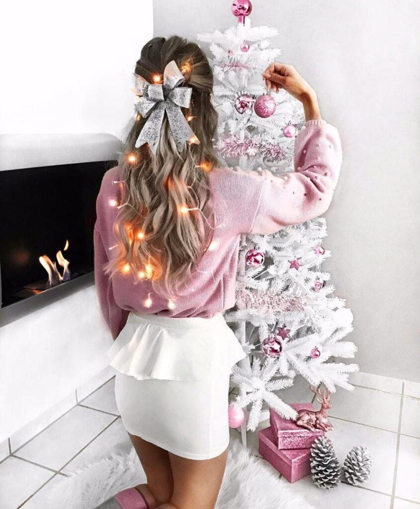 Современная традиция нового года: конфеты для снегурочки